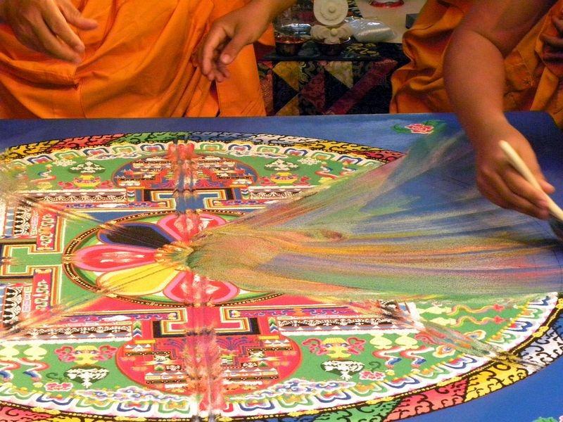 tibetan-sand-mandala-11