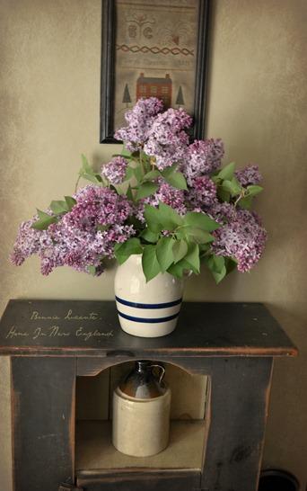 Lilacs jug