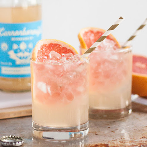 10 best grapefruit flavored vodka drink recipes yummly for Tea infused vodka cocktails