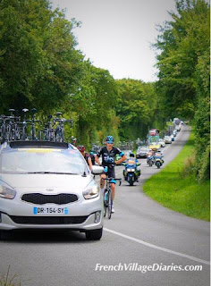 French Village Diaries Tour du Poitou-Charentes 2015 team cars