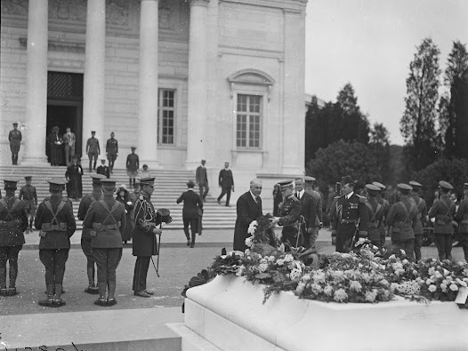 On November 11, 1921, the Tomb of the Unknown Soldier was dedicated in Arlington National Cemetery. As conflicting memories over the meaning of the endured, the nation gave ceremonial recognition to the lives lost.