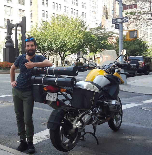 פרידה מהאופנוע בניו יורק.jpg
