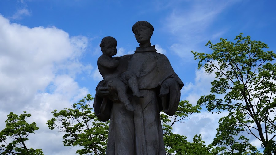 Статуя святого Антония Падуанского