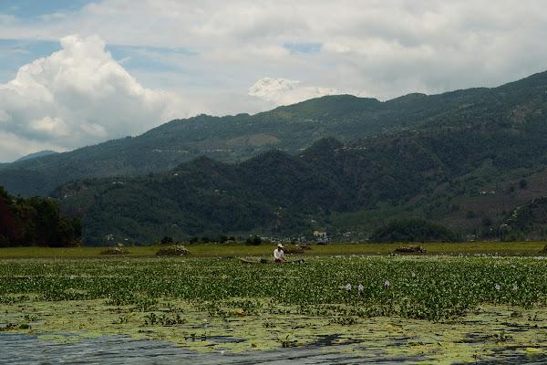 озеро фева горы рыбак