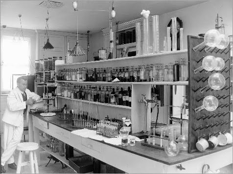 Essondale_interior_laboratory__C5-S01-SS02-EH.012_