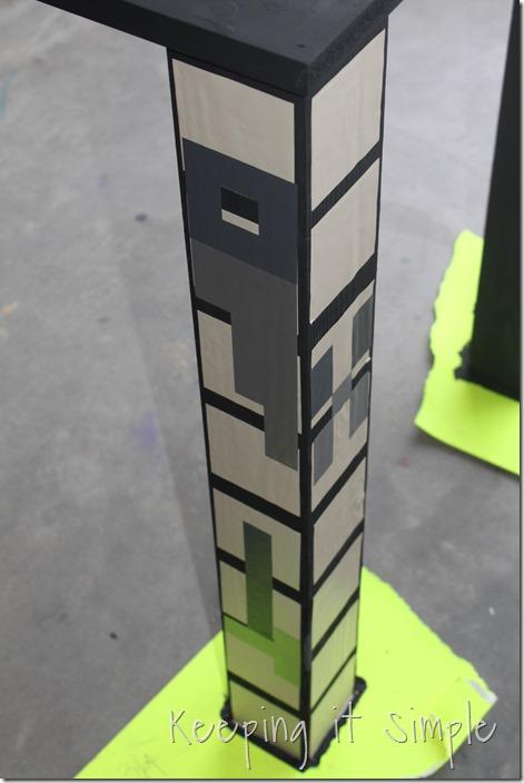 DIY-Minecraft-Crafting-Table (7)