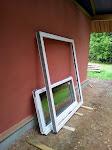 Tā saucamās vasaras durvis - abas daļas ir veramas, taču ikdienā tiks izmantota viena vērtne. Šis ir ūberbiezais 88mm profils.