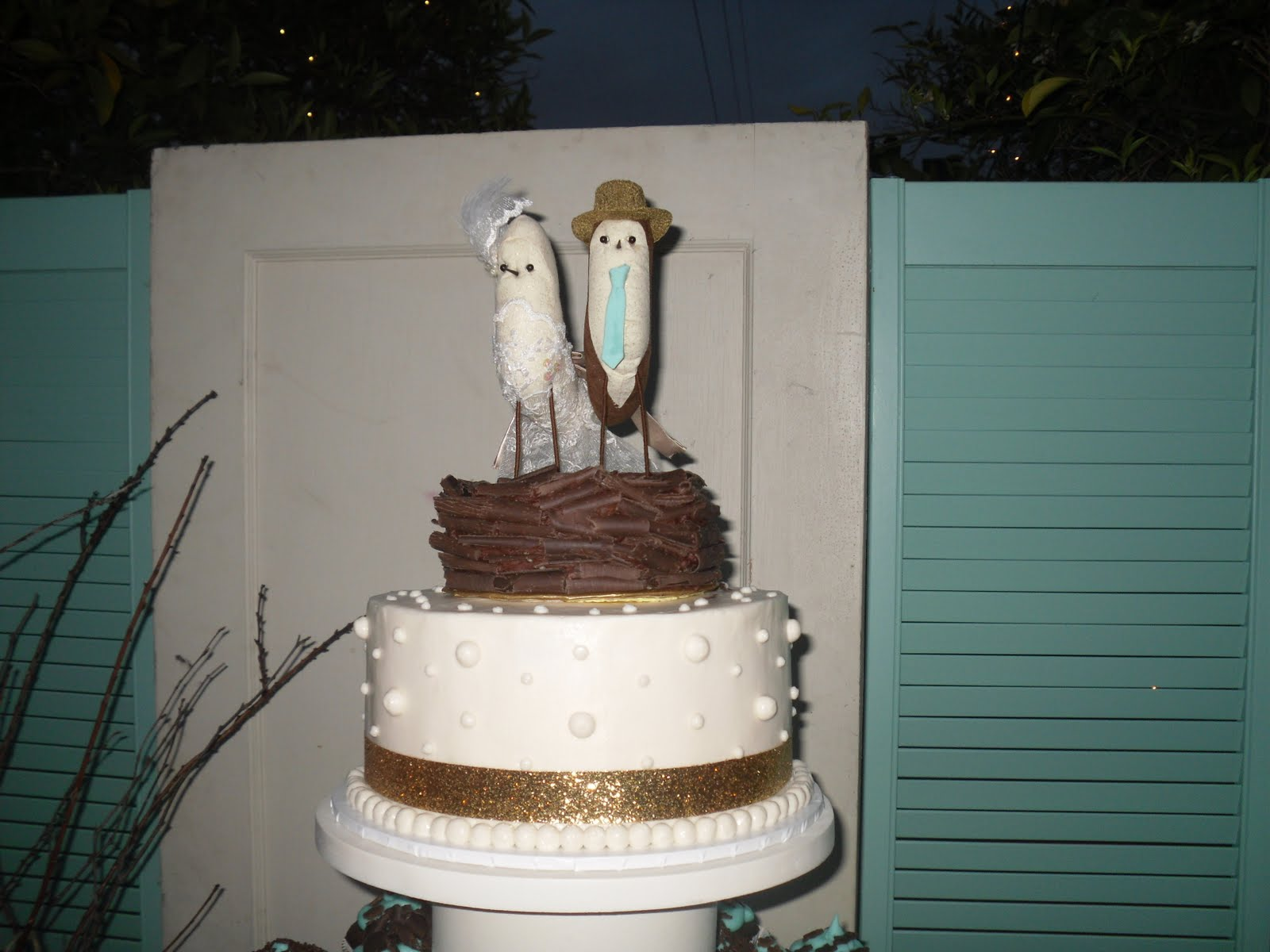 Just plain cool wedding cakes,
