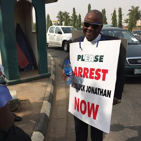 Man+protesting+for+arrest+of+GEJ