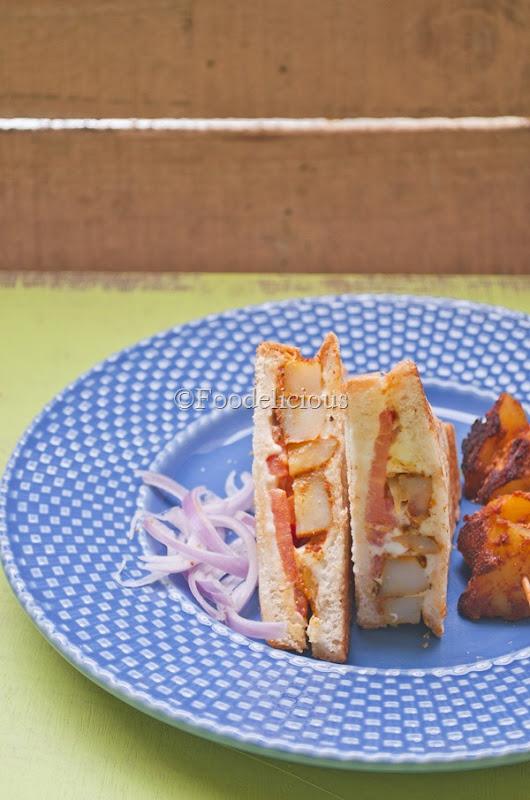 Foodelicious- Tandoori Aloo Sandwich