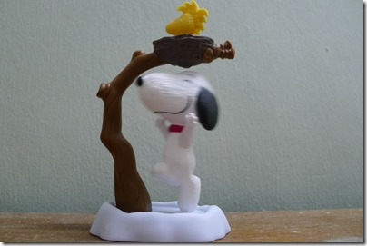 McDonald's happy meal X The Peanuts Movie 2015 toys: Snoopy & Woodstock
