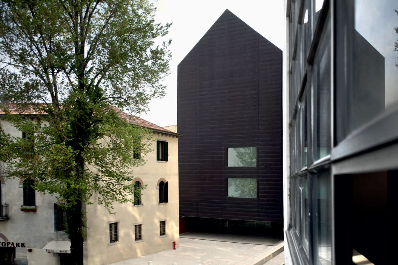 Venezia, Italia: LAW-Court Offices by C+S Architects