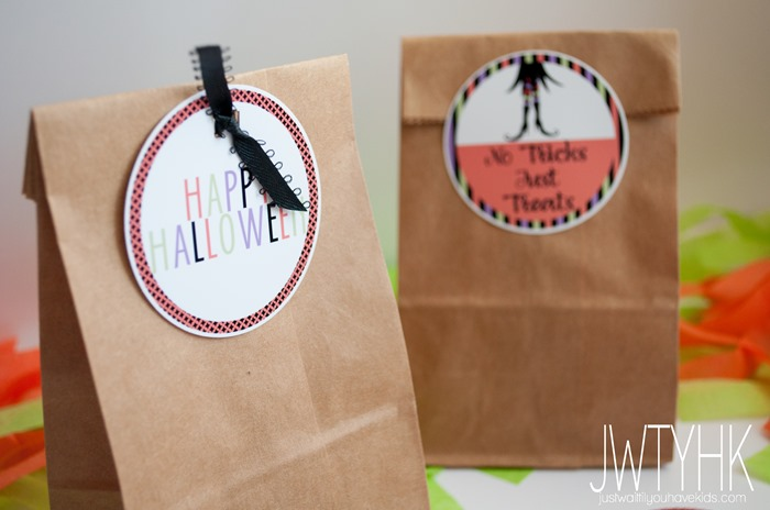 Free printable Halloween tags at Just Wait til You have Kids