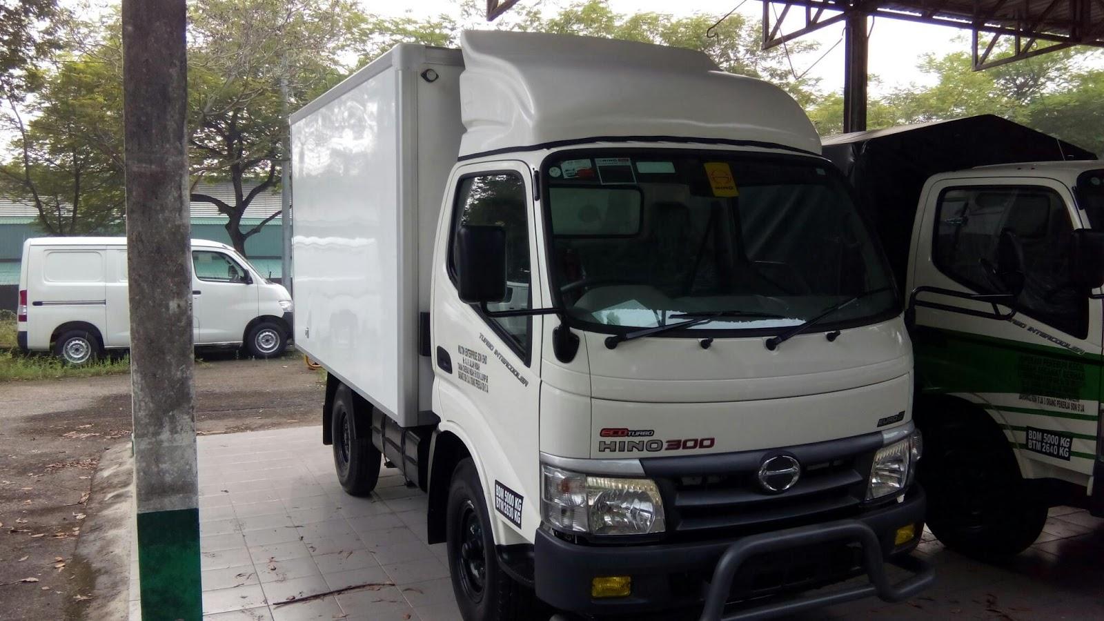 Malaysia New lorry Hino WU302R fiberbox 10ft 5,000kg   ALL ...