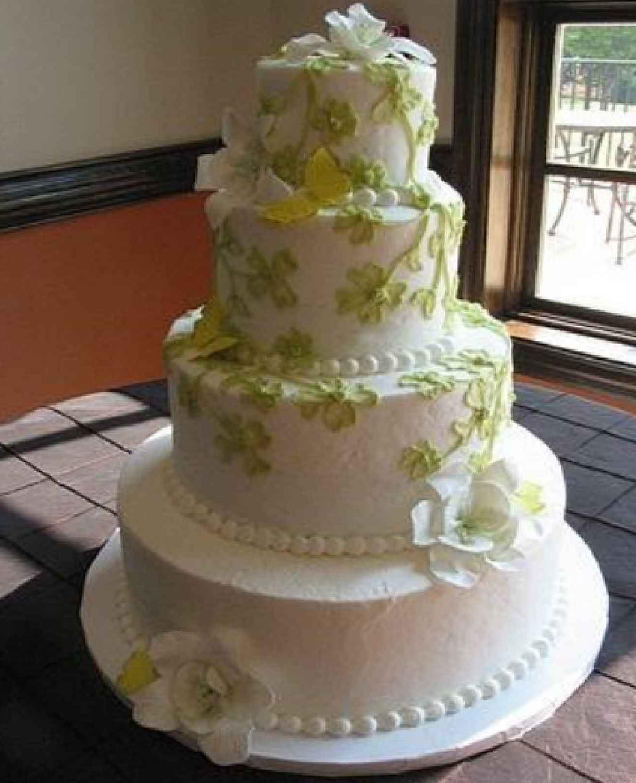 Wedding cakes with a nostalgic