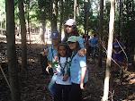 Carla, Sofía, Elena y Sara con una especie de laurisilva