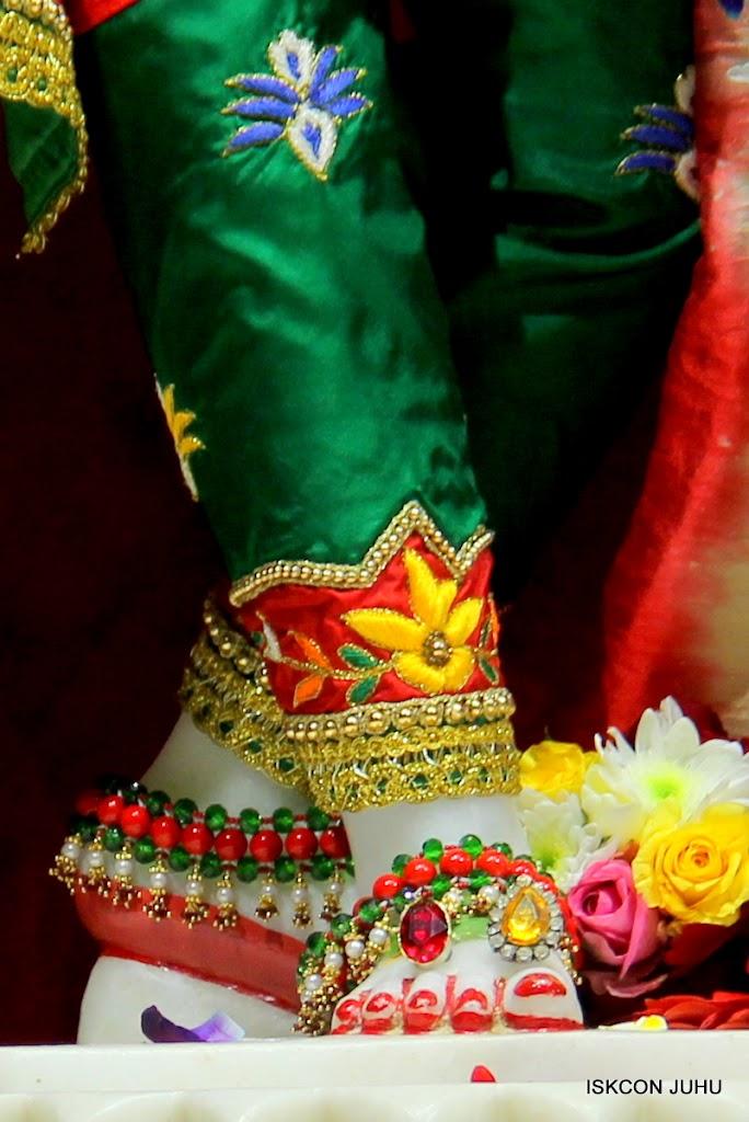 ISKCON Juhu Sringar Deity Darshan 09 Feb 16 (46)