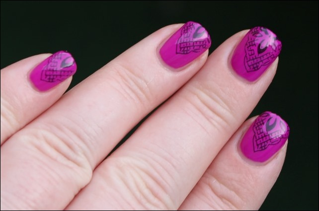 Magenta Lace Nageldesign 6