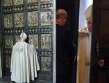 papa-Francesco-apre-la-Porta-Santa