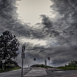 The Sky and the Photographer by Jerry Kambeitz - People Street & Candids ( clouds, person, sky, photographer, photo )