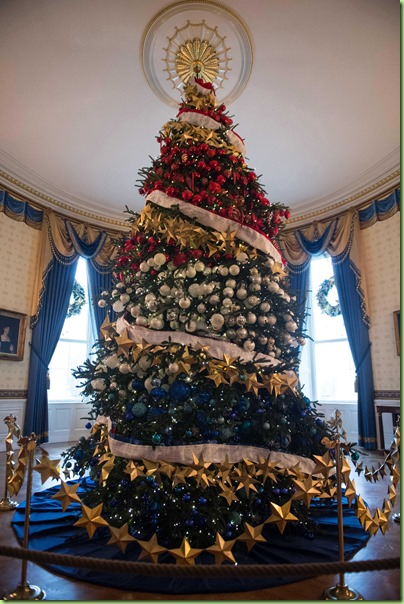 official-white-house-christmas-tree-2015-blue-room-ftr