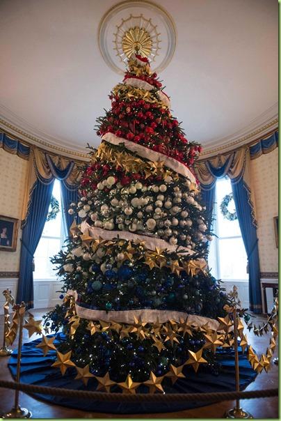 official-white-house-christmas-tree-2015-blue-room-ftr