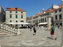 20150610_main square (Small)
