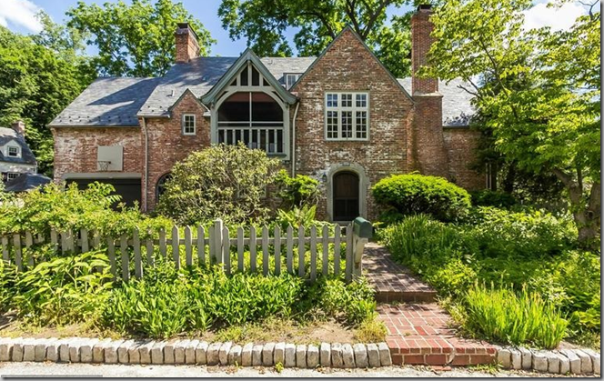 P i g t o w n D e s i g n Ill Take This English Style Cottage