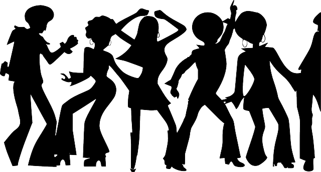 bailar-fiesta-diversión-propositos-verano-vacaciones