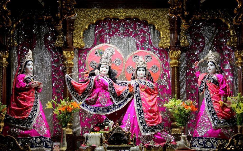 ISKCON Juhu Mangal Deity Darshan 14 Jan 2016 (10)