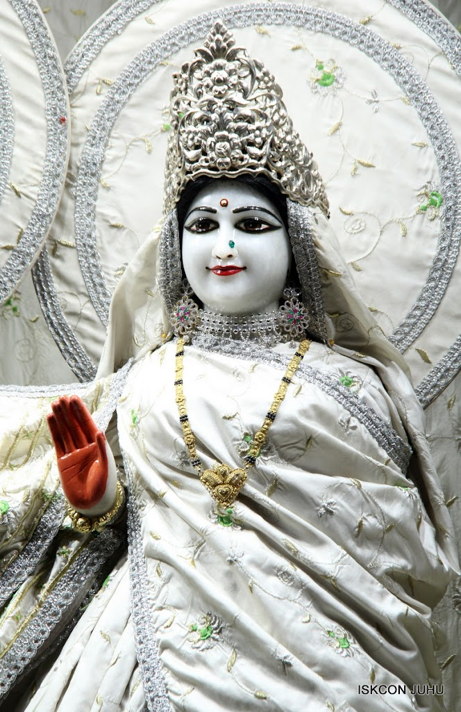 ISKCON Juhu Mangal Deity Darshan 21 Jan 16 (14)