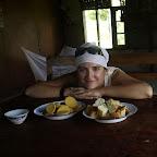 Po drodze zatrzymujemy się w wiosce by coś zjeść. Dostaniemy coś więcej od naszego przewodnika-kucharza?