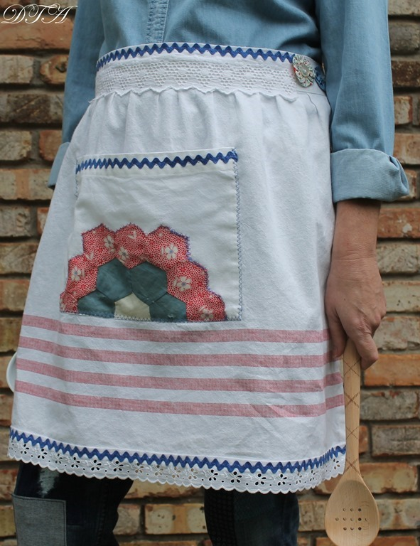 Eleanor's Aprons 036