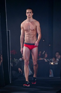 Red Charity Gala River Viiperi Bench19