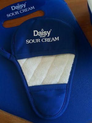 Daisy Squeeze a Dollop House Party