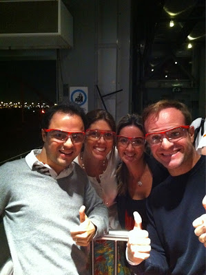 Рубенс Баррикелло и Фелипе Масса с женами в очках на Ferrari roller coaster на Гран-при Абу-Даби 2011