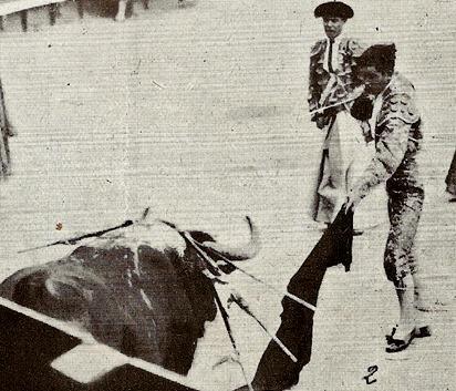 1922-06-18 (p. SyS) Madrid De la Rosa entrando matar al 2º
