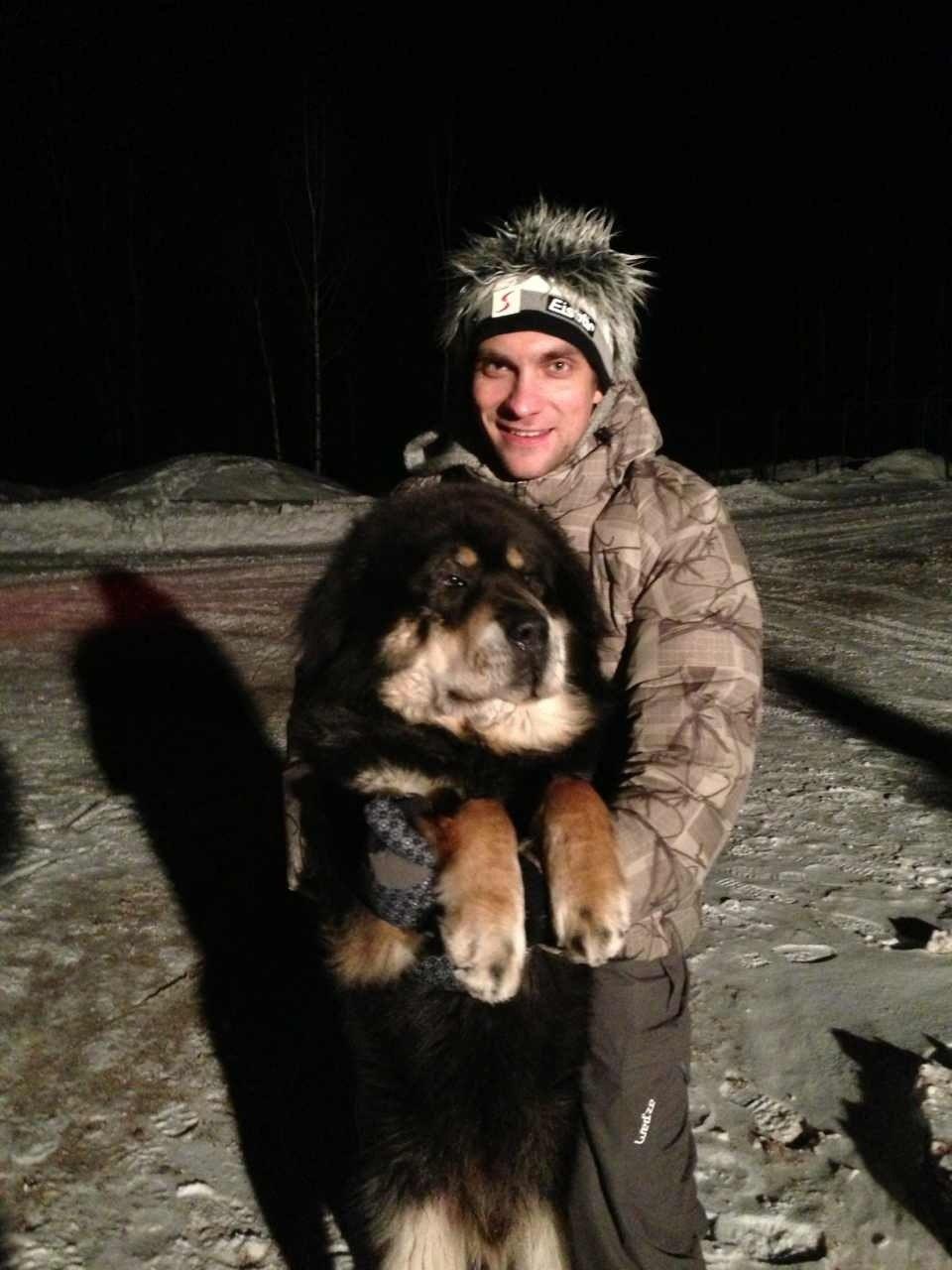 Виталий Петров с собакой 18 декабря 2012