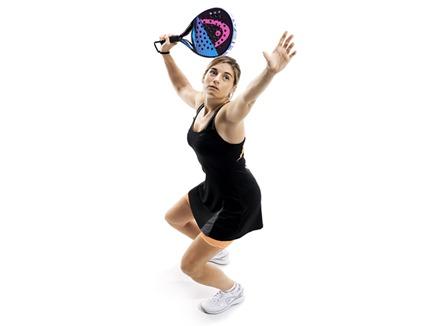 La jugadora WPT Alejandra Salazar, renueva con HEAD hasta 2018.