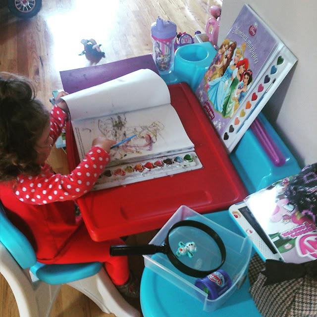 Activité avec Mini Radieuse: De l'aquarelle sans dégât #mommyhacks