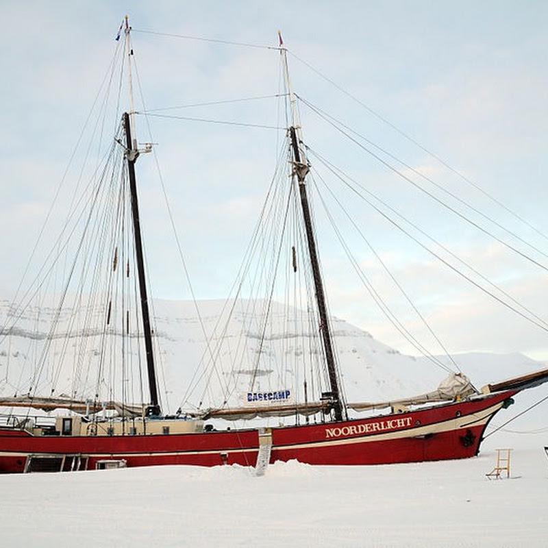 Noorderlicht: The Ice-bound Ship Hotel