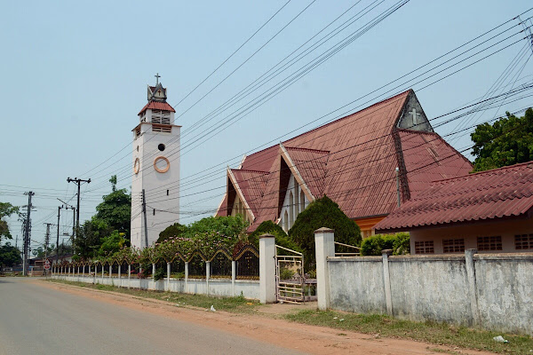 тхакхек церковь