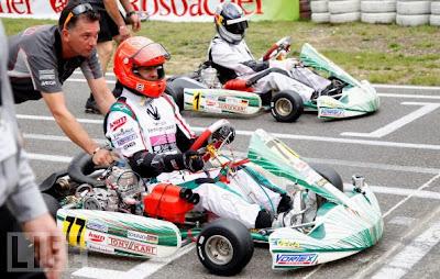 Михаэль Шумахер и Себастьян Феттель готовятся к старту на картинговом турнире в Керпене