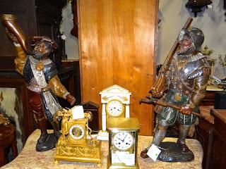 Две деревянные скульптуры. 19-й век Высота 80 см. 1700 евро.
