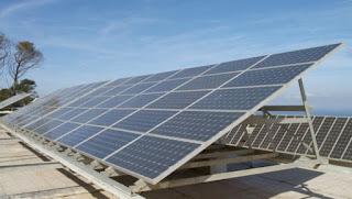 In-Salah: Bedoui appelle au recours aux énergies renouvelables dans les différents domaines