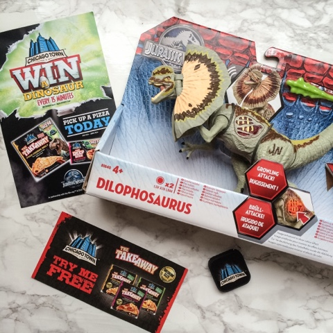 chicago-town-pizza-jurassic-world-dinosaur-win-competition-jurassic-park
