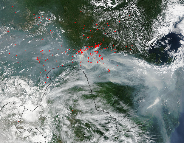 Terra/MODIS satellite view of smoke and forest fires in eastern Russia, 17 July 2015. Photo: NASA / LANCE Rapid Response MODIS