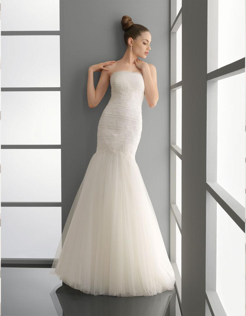 2012 Tulle and Lace Wedding Dress. Strapless neckline,mermaid style wedding