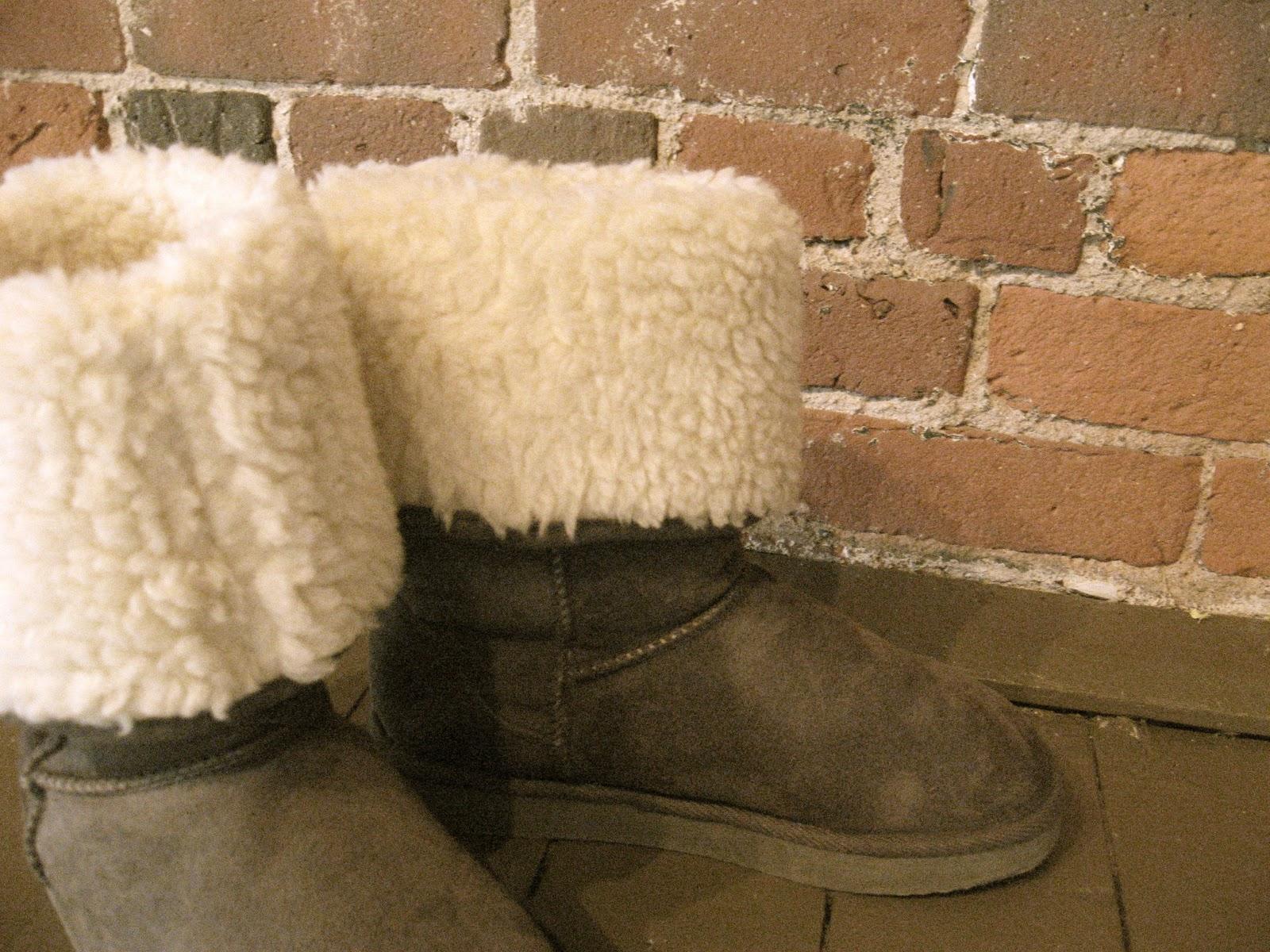Unique Chicago Wedding Venues! winter bridesmaids boots