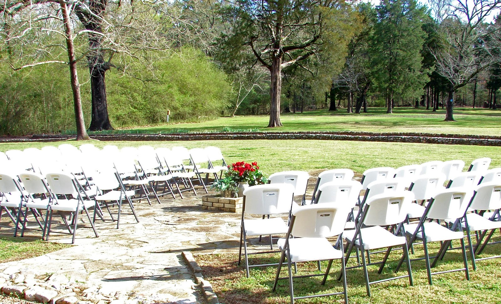 backyard wedding ideas 2